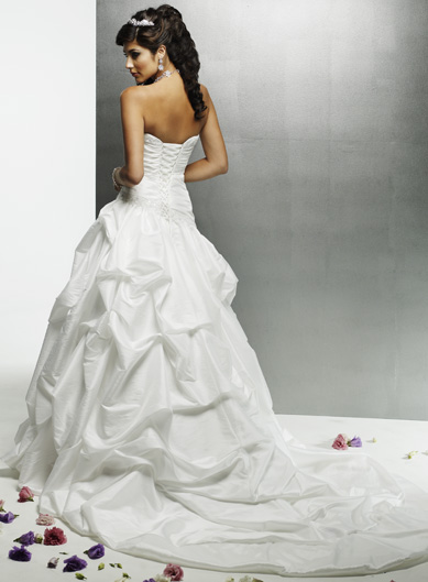 Royal wedding bridal shop in danbury ct cheap wedding for Cheap wedding dresses in ct
